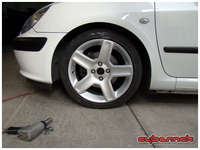 """I tried out my 307 CC Challenger wheels (6.5x17"""" ET31) that I bought a few years ago with the intention of fitting them on my """"future"""" 307 :-)."""