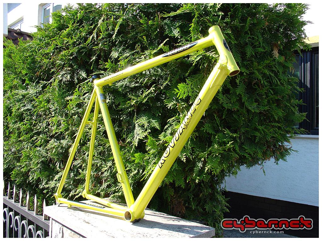 Kovjanic ultra-light 7005 aluminium road racing frame, standard geometry, aircraft spec welds, 59cm length, weighing under 1300g. Kovjanic is a Serbian manufacturer of custom bicycle frames.
