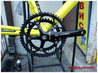 I specifically wanted black components, therefore the only choice was to go for Shimano 105 Black, starting with 53/39 crankset.