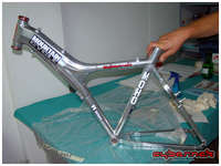 ...and the final result was a brand new looking frame!  The frame weighs 1770g.