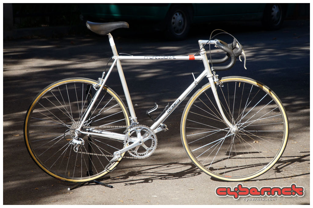 Although I had been lured by old bicycles for a number of years, this is the very one that had started my voyage into the seductive world of vintage road and mountain bikes.
